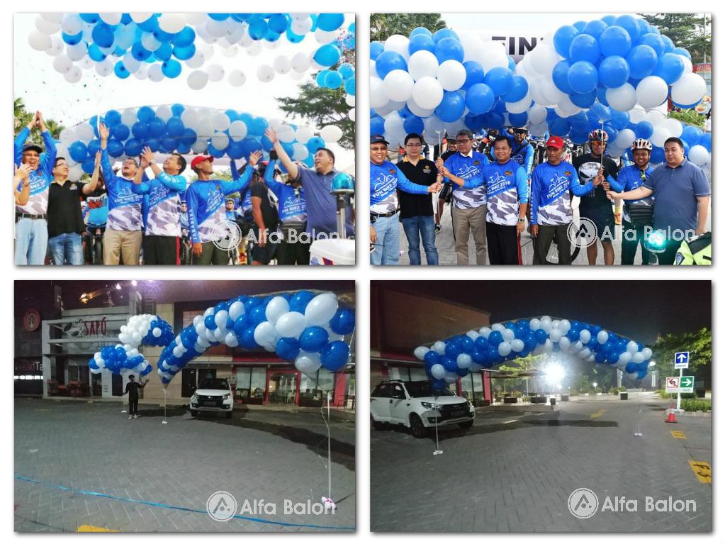 Pelepasan balon gas dalam Kegiatan Car Free Day di hollyword junction Jababeka Residence Cikarang-Bekasi.